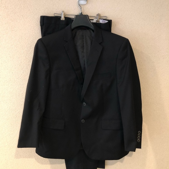 LINEA UOMO Other - LINEA UOMO Suit Size 43 Short.  100% Wool Jacket